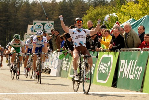 Samuel Dumoulin remporte le Grand Prix de Plumelec - © Bruno Bade