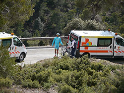 Simone Ponzi picked up by the ambulance with a mechanical problem