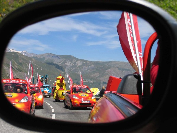 The most beautiful picture of the advertising caravan - Tour de France 2006