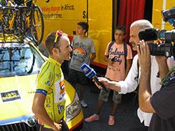Sergio Pardilla répond aux questions des média à la Volta a Portugal