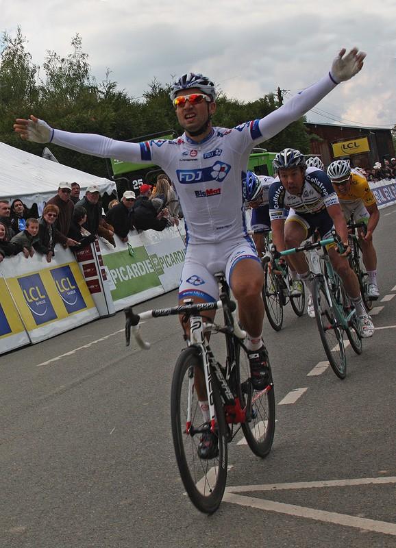 Nacer Bouhanni, vainqueur déclassé pour sprint irrégulier