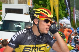Philippe Gilbert wins the Tour of Flanders 2017 with a long final solo!