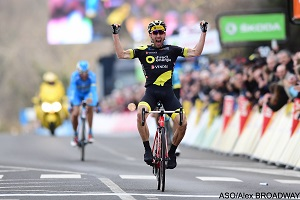 Paris-Nice 2018: Jonathan Hivert goes on till the end with the breakaway and wins the 3rd stage