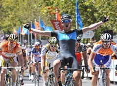 André Greipel (HTC-Columbia) wins the 2010 Tour Down Under 2010, Chris Sutton (Team Sky) the last stage
