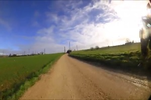 The sand roads of the circuit of Paris-Nice 2016's first stage in video