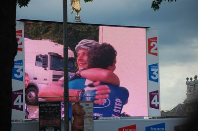 Tom Boonen congratulates Gert Steegmans at the finish in Ghent!