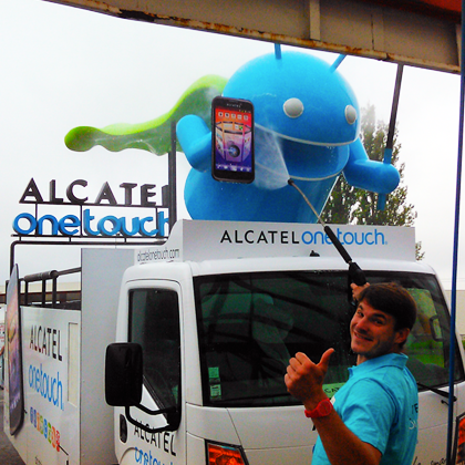 The Alcatel One Touch mascotte takes a shower