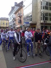 The FDJ-BigMat team on the start line