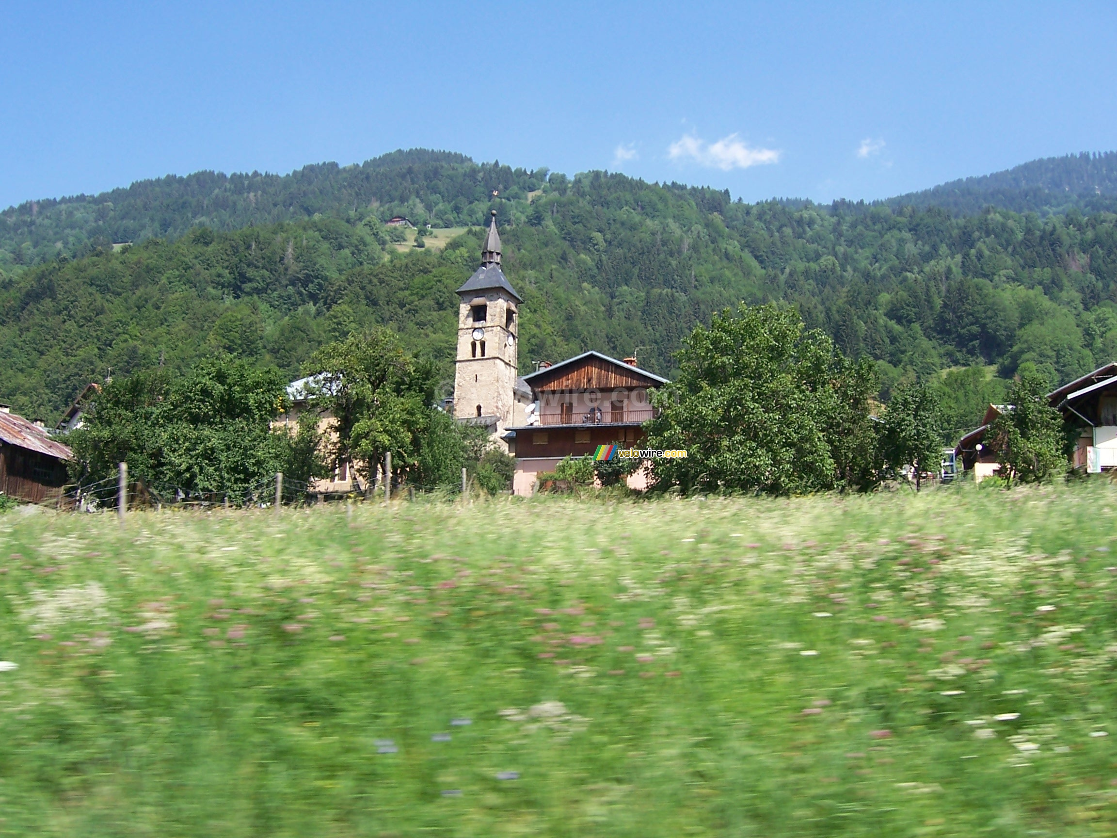 A nice church and a nice view on our way - [1 day in the La Vache Qui Rit