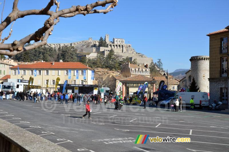 The start of Paris-Nice in front of the citadelle of Sisteron