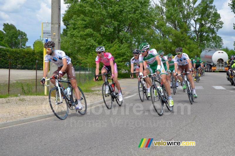 The peloton led by Adrien Legros (Chambéry CF)