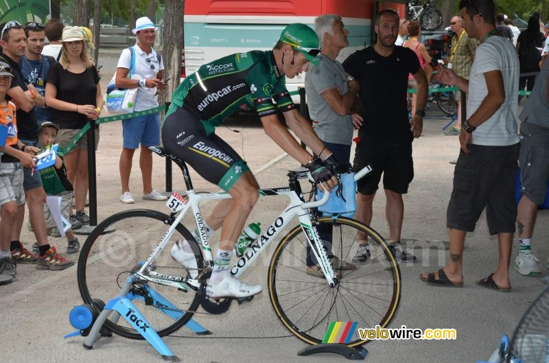Pierre Rolland (Europcar) warming up