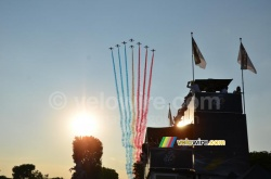 The Patrouille de France will again fly over the peloton of the Tour at its finish in Paris