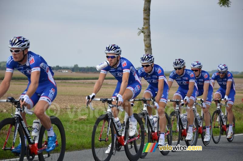 The FDJ.fr team in Hinges