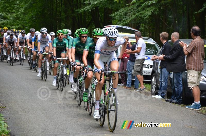 Tom Stamsnijder (Argos-Shimano) leading the peloton in the forest of Nédonchel (2)