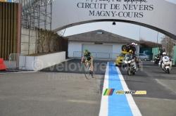 Perrig Quémeneur arrive sur le circuit de Nevers Magny Cours