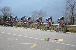 Team Giant-Shimano leading the peloton