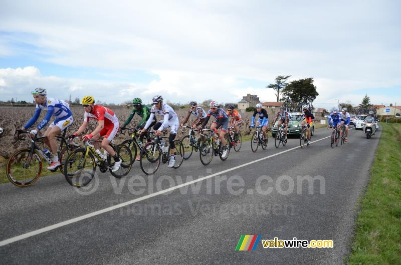 The reduced breakaway of 12 riders