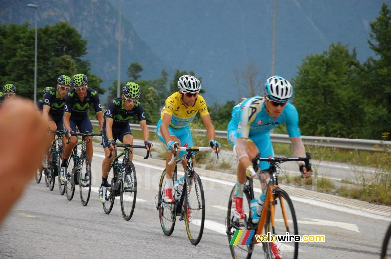 Vincenzo Nibali protected by his Astana team