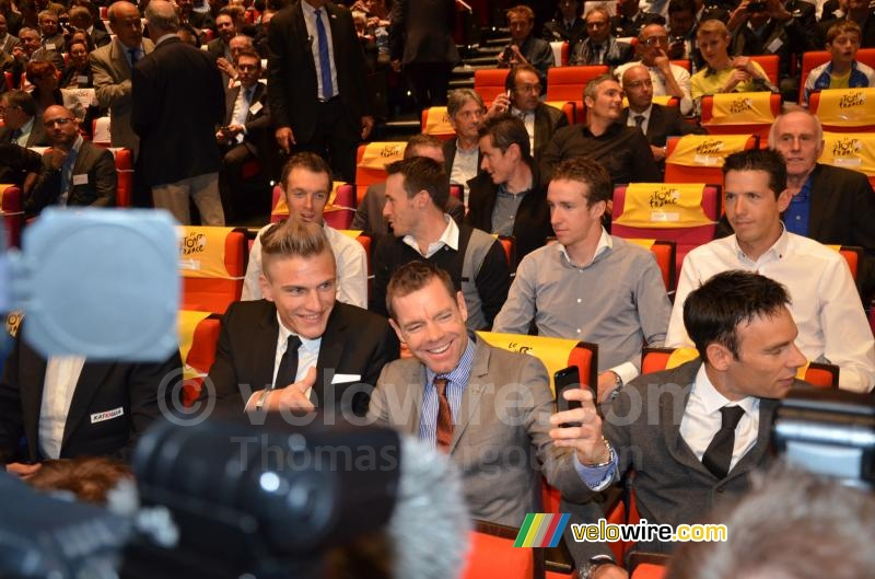 Cadel Evans takes a selfie of him and Marcel Kittel