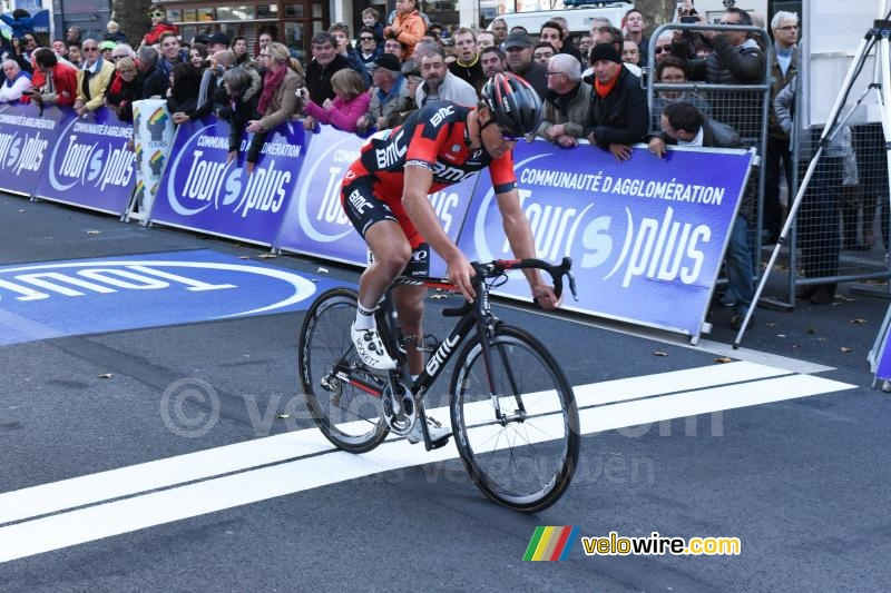 Greg van Avermaet (BMC Racing Team) with a flat front tyre