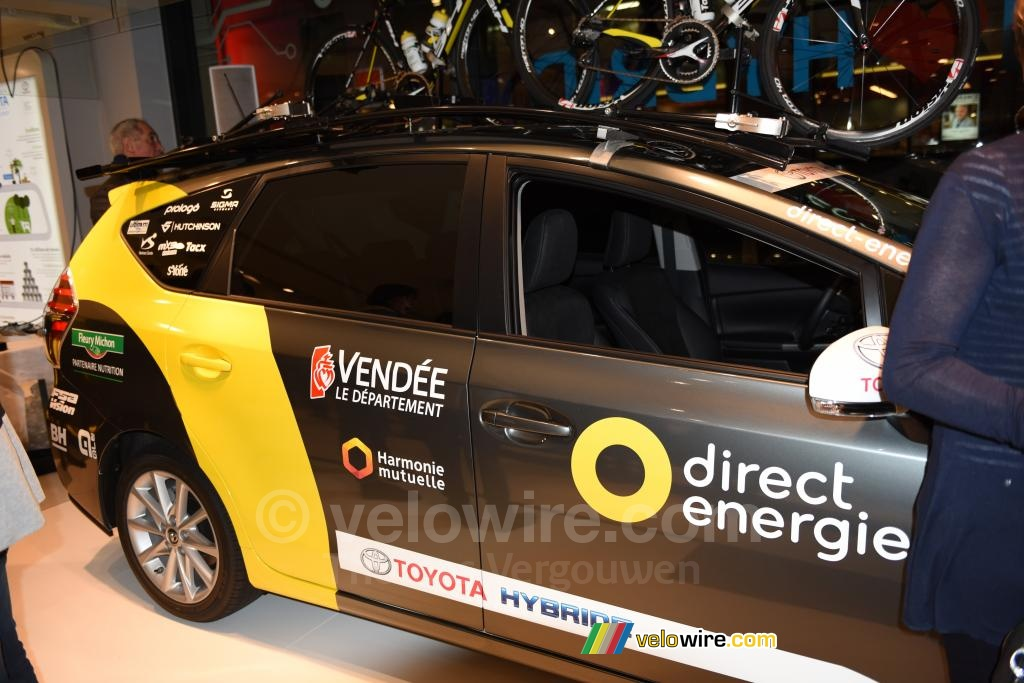 the hybrid toyota car of the team direct energie photographs. Black Bedroom Furniture Sets. Home Design Ideas