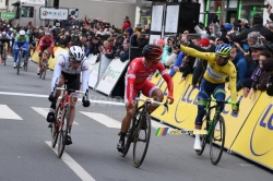 Michael Matthews contests Nacer Bouhanni's victory