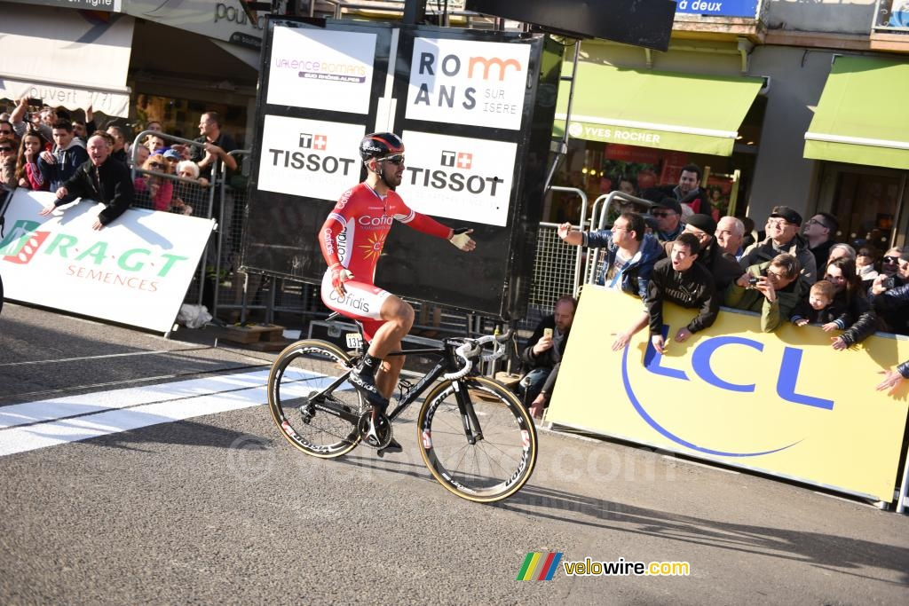 Nacer Bouhanni (Cofidis) wins the stage in Romans-sur-Isère (2)