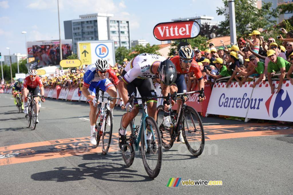 Peter Sagan (Bora-Hansgrohe) wins the stage in La Roche-sur-Yon