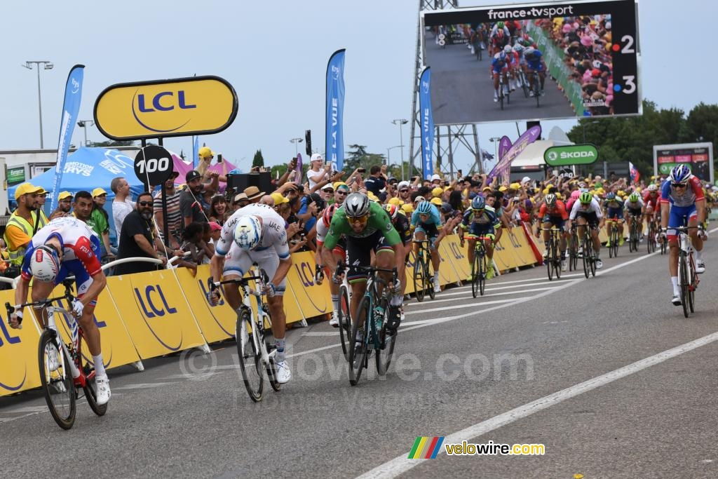 Peter Sagan wins the sprint against Alexander Kristoff and Arnaud Démare in Valence
