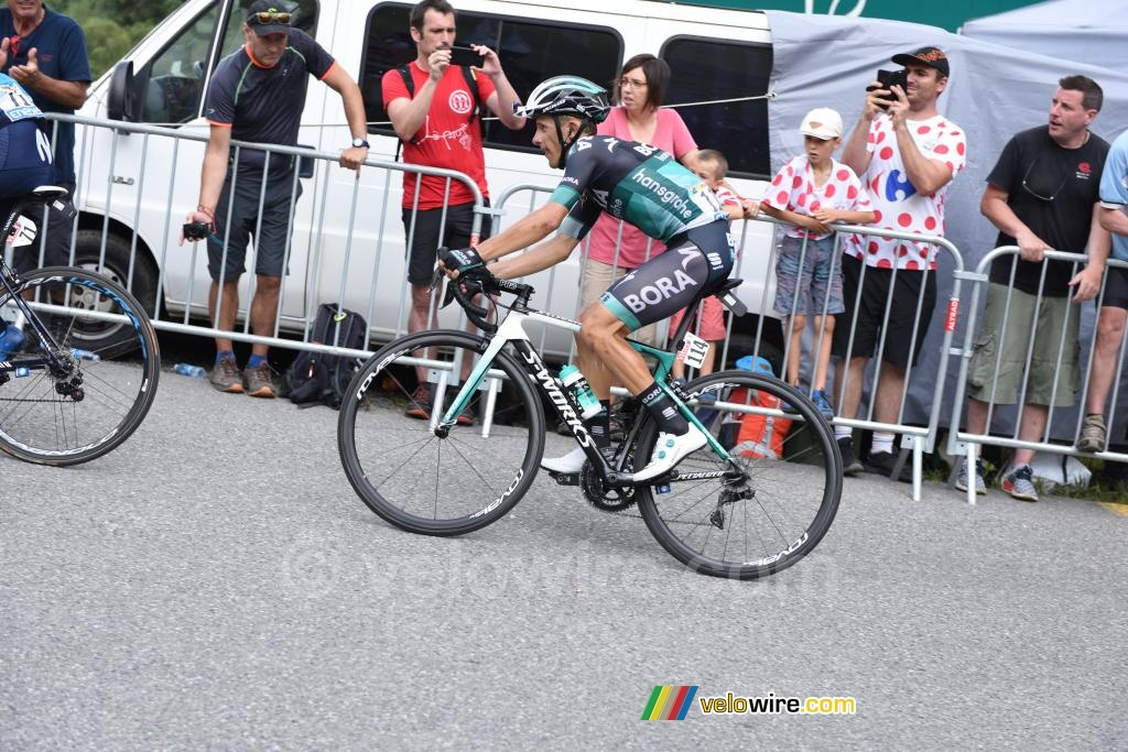Nairo Quintana (Movistar) wins the stage on the Col du Portet