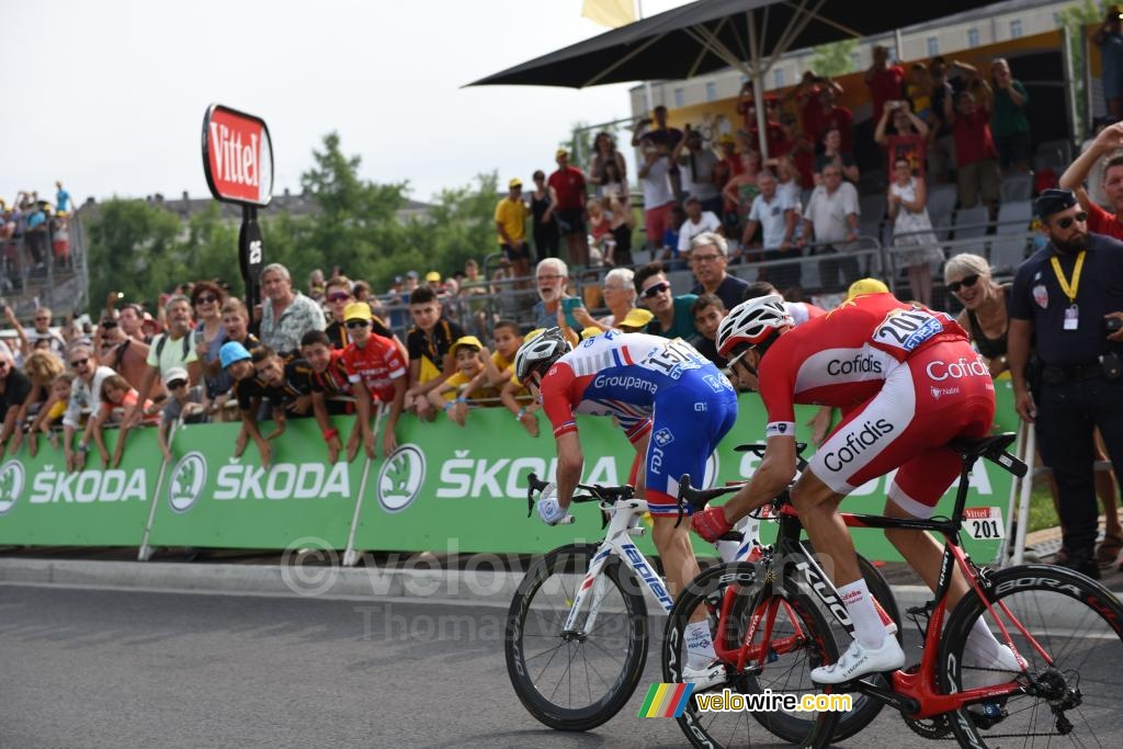 Arnaud Démare (Groupama-FDJ) takes the sprint victory in Pau ahead of Christophe Laporte (Cofidis) (2)