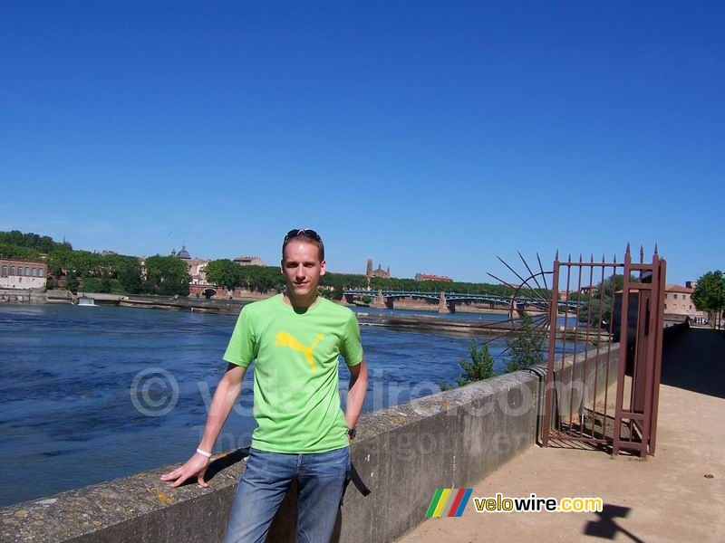 Thomas in front of the Garonne