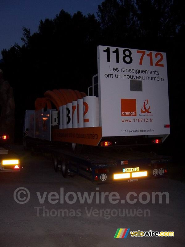 The 118 712 caravane of France Telecom / Orange on their truck
