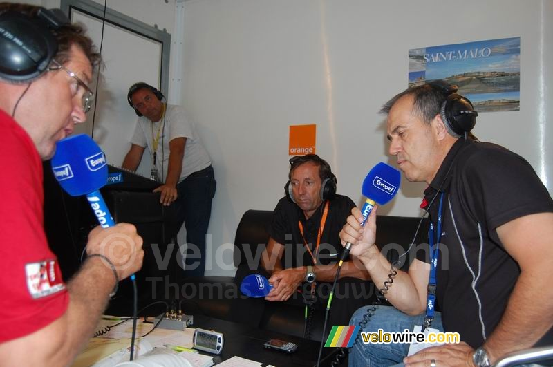 Eric Caritoux & Vincent Lavenu (AG2R La Mondiale) being interviewed by Vincent Barteau (Europe 1)