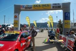 Le départ du Critérium International à Porto-Vecchio