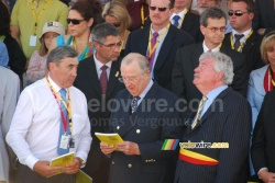 Eddy Merckx, the King of Belgium and the Mayor of Brussels at the finish of one of the Tour de France 2010 stages in Brussels